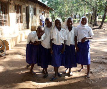 DDC happy girls